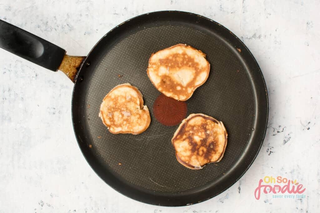 how to make keto cream cheese pancakes