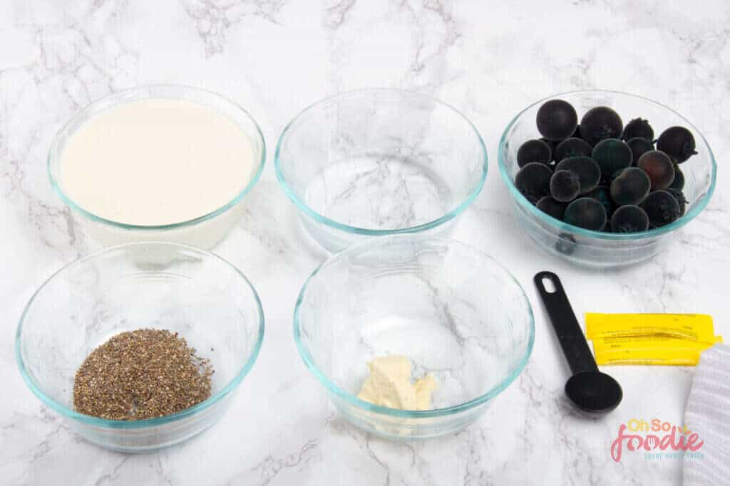 ingredients for blueberry smoothie