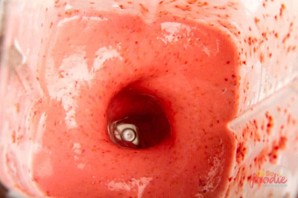 keto raspberry smoothie blend