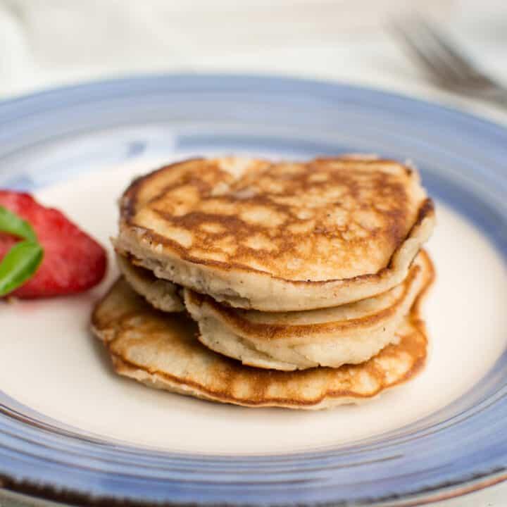 Keto Cream Cheese Pancakes (Low Carb & Ketogenic)