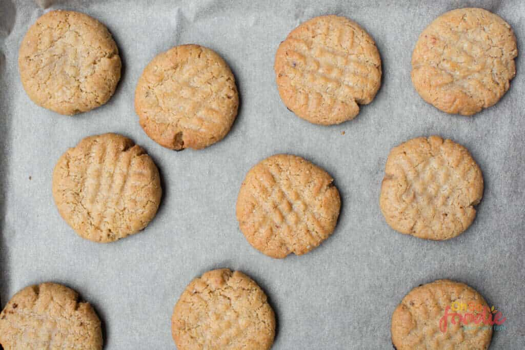 baked almond butter cookies