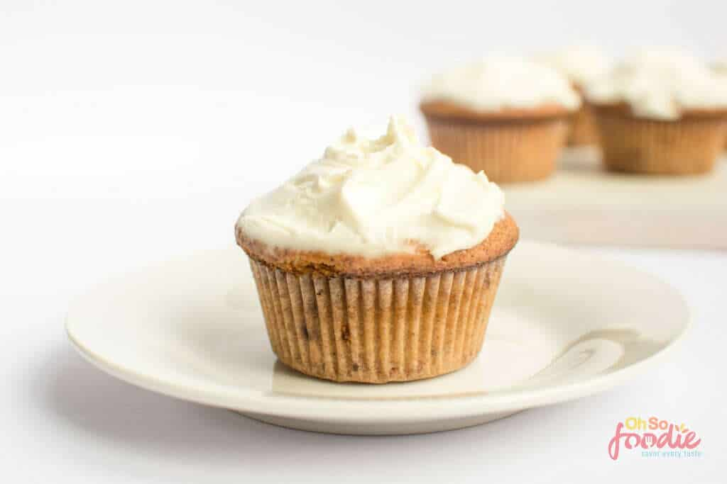 keto cinnamon muffins with frosting