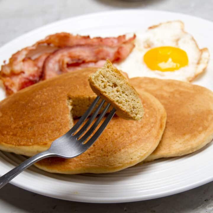 Almond Flour Keto Breakfast Pancakes - Just 5 Ingredients!