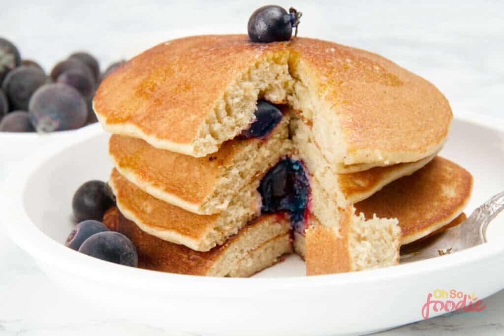 keto blueberry panccakes