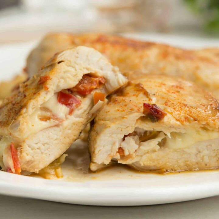 Keto Grilled Chicken Breasts With Peppers And Cheese