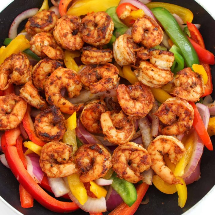 Easy Shrimp Fajitas Recipe (25 Minute Meal!)